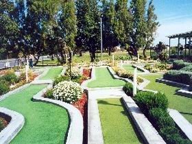 West Beach Mini Golf - Attractions Brisbane
