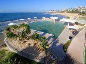 Kings Beach - Beachfront Salt Water Pool - Attractions Brisbane