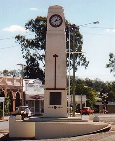 Goomeri War Memorial Clock - Attractions Brisbane