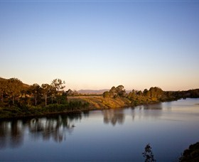 Lake Wivenhoe - Attractions Brisbane