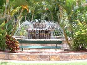 Bauer and Wiles Memorial Fountain - Attractions Brisbane