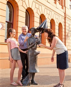 Birthplace of PL Travers - Attractions Brisbane