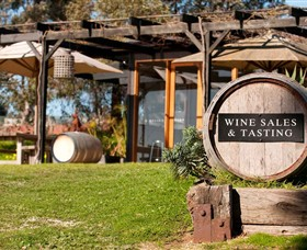 Saint Regis Winery Food  Wine Bar - Attractions Brisbane