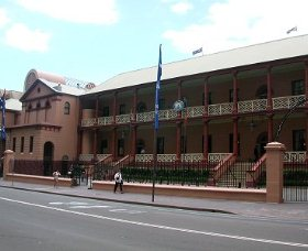 Parliament House - Attractions Brisbane