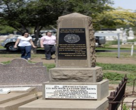 Historical Cemetery Moree - Attractions Brisbane