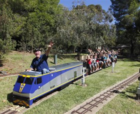 Willans Hill Miniature Railway - Attractions Brisbane
