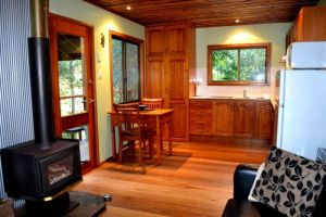 Waterfall Hideout-Rainforest Cabin for Couples - Attractions Brisbane