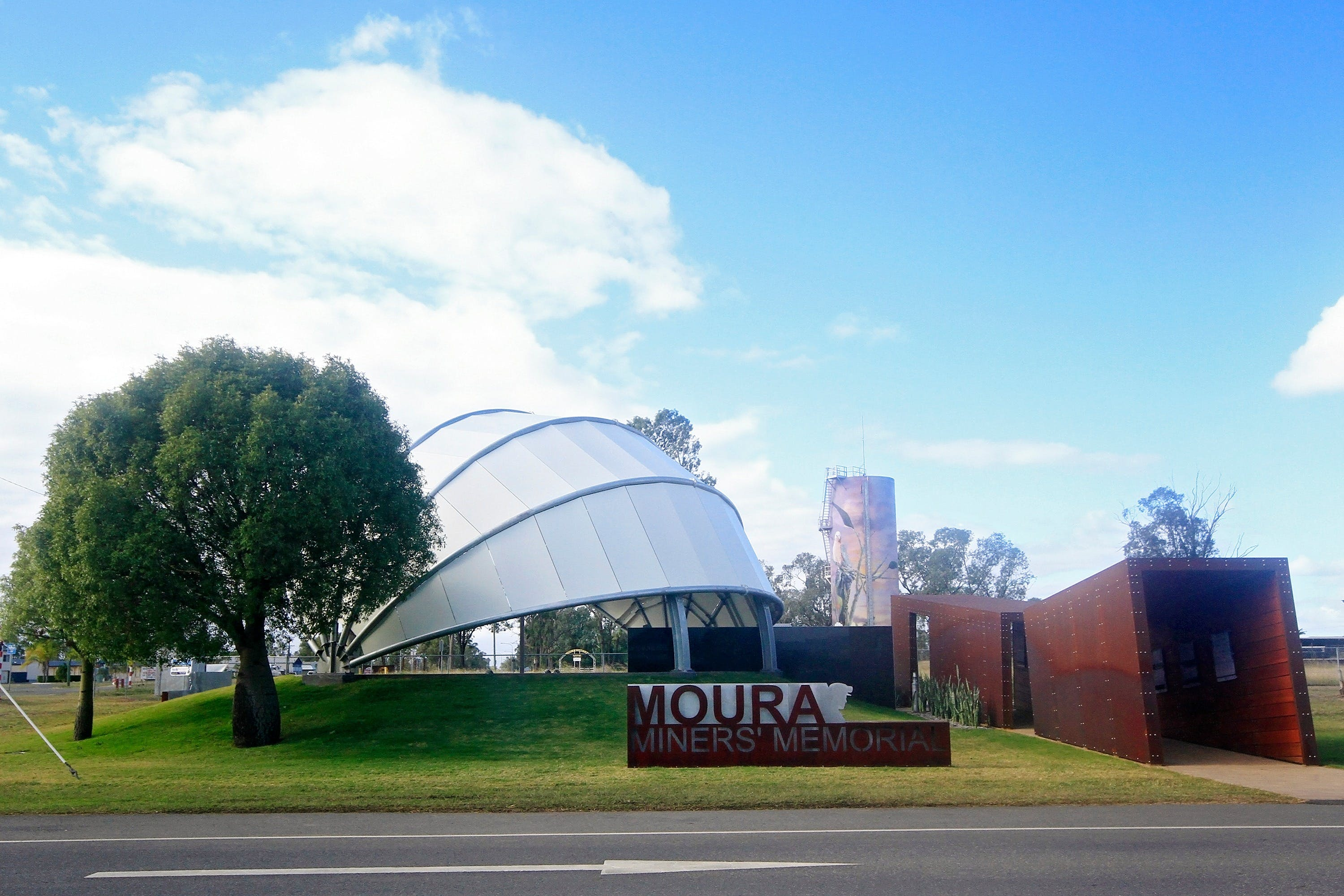 Moura - Attractions Brisbane