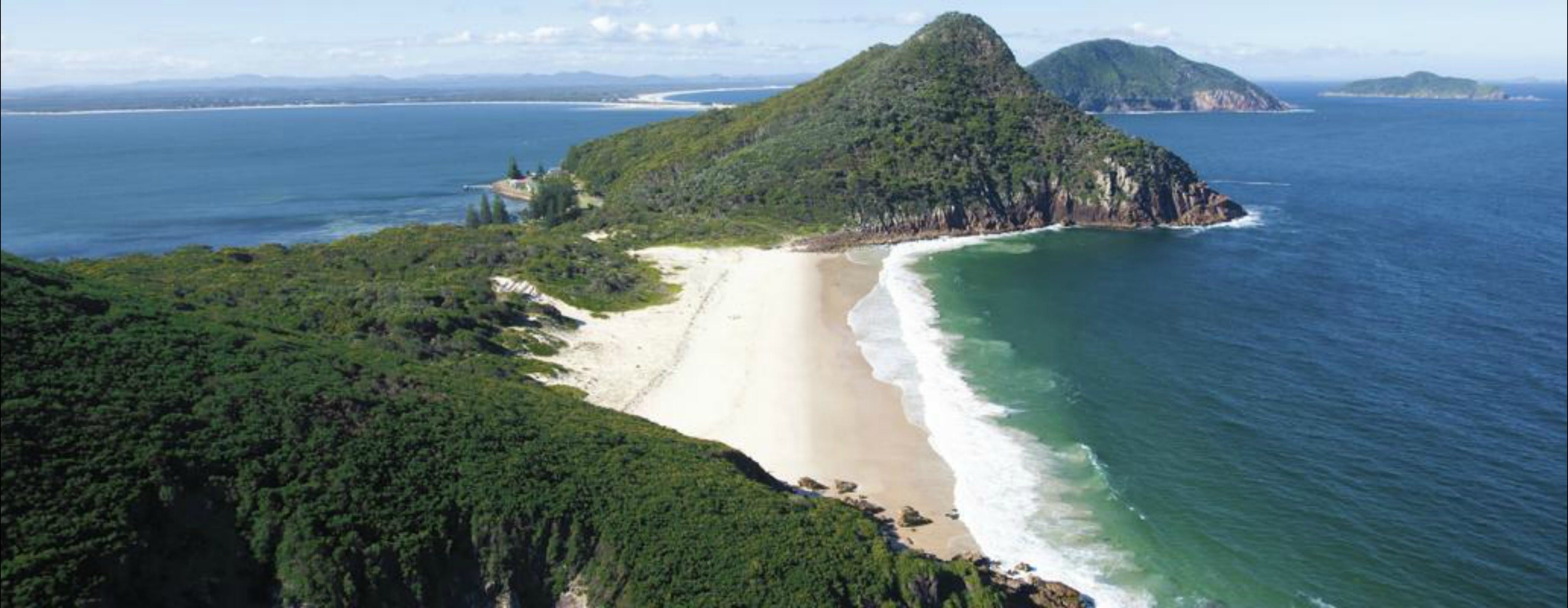 Port Stephens Great Lakes Marine Park - Attractions Brisbane