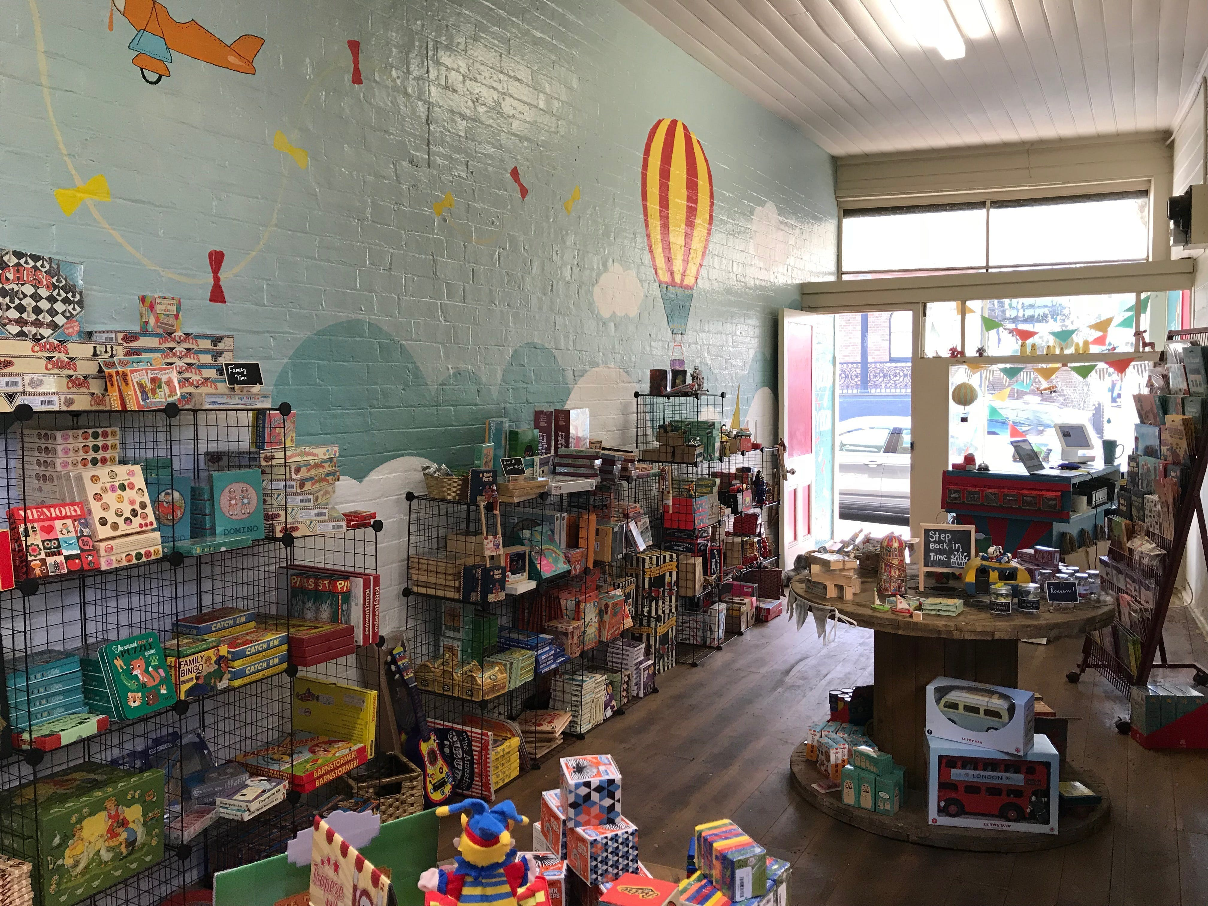 Vintage Toy Box - Attractions Brisbane