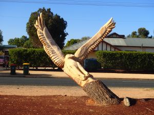 Loxton Tree sculptures - Attractions Brisbane