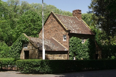 Cooks' Cottage - Attractions Brisbane